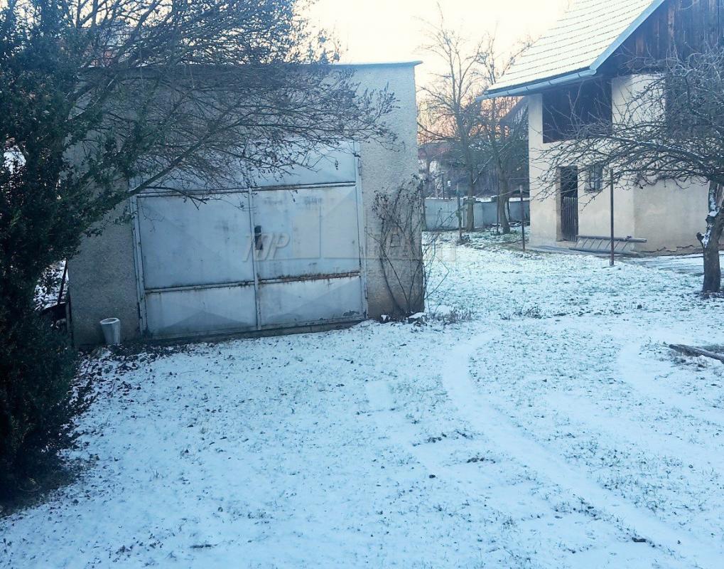 ihneď obývateľný dom 10 minut od Banskej Bystrica