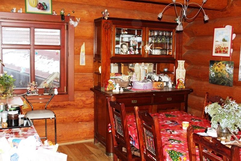 Predám luxusnú drevenicu s menšou drevenicou na krásnej polosamote