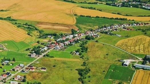 Predám perfektný pozemok na výstavbu rodinného domu v Brezne za super cenu !!!!