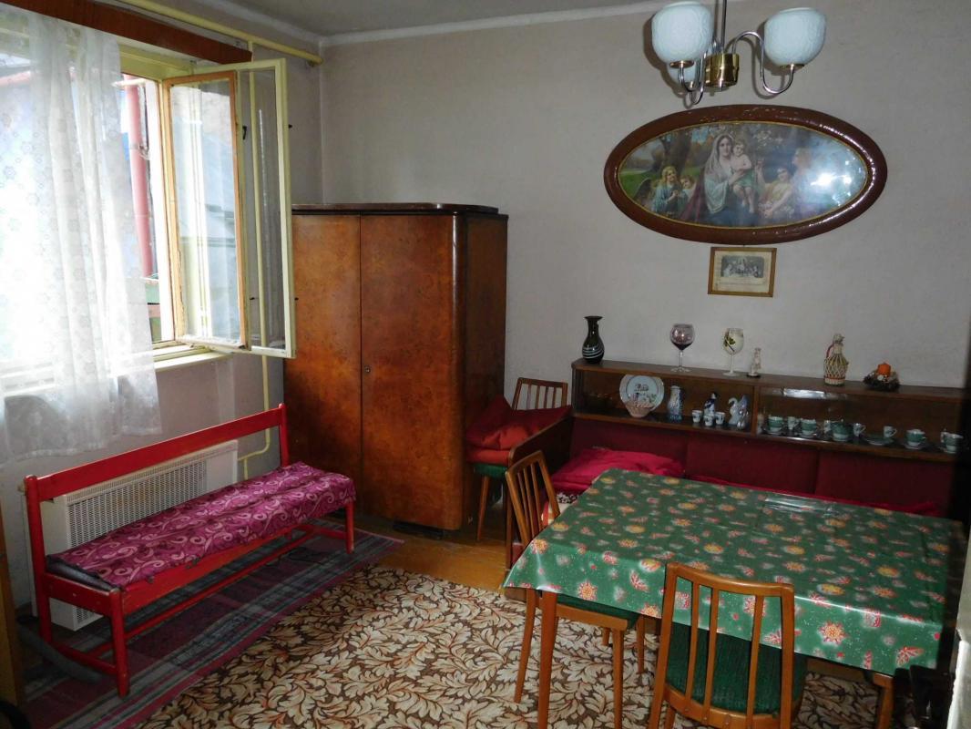 Na predaj 2-izbový rodinný dom v centre Brezna