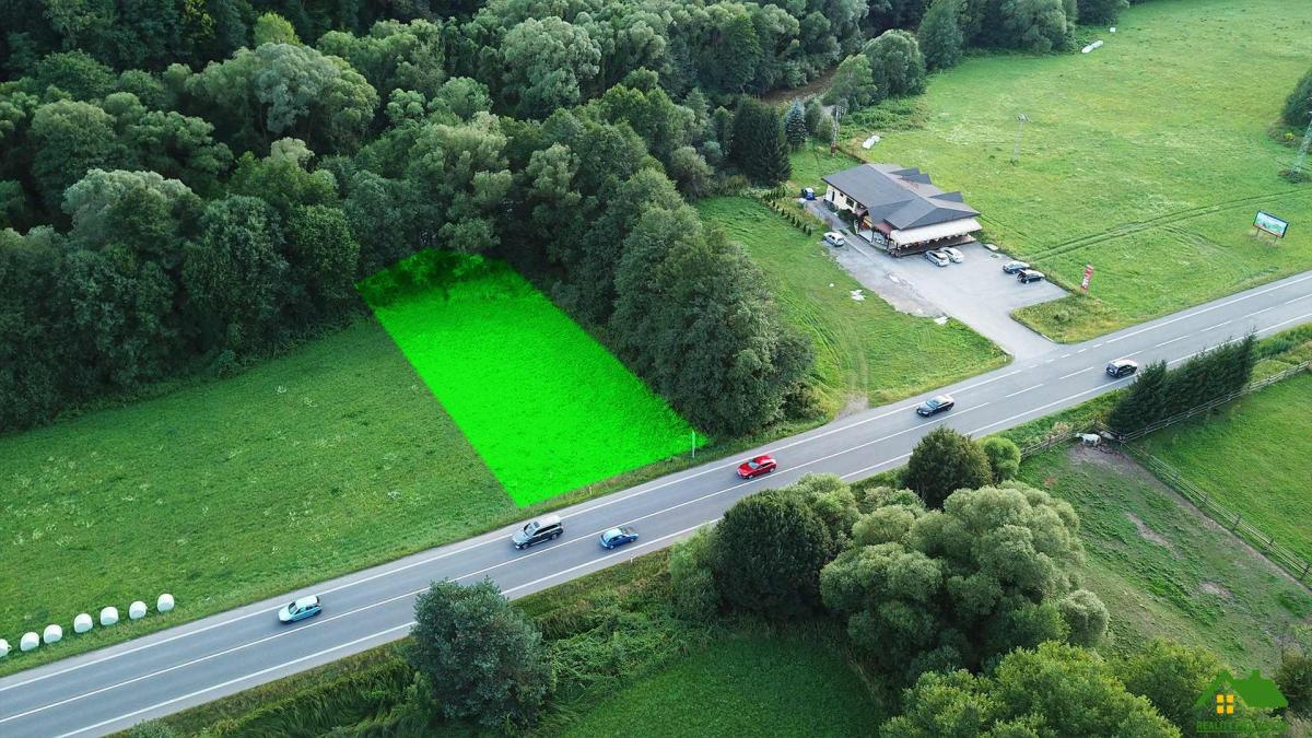 Rovinatý investičný  pozemok v obci Podbrezová