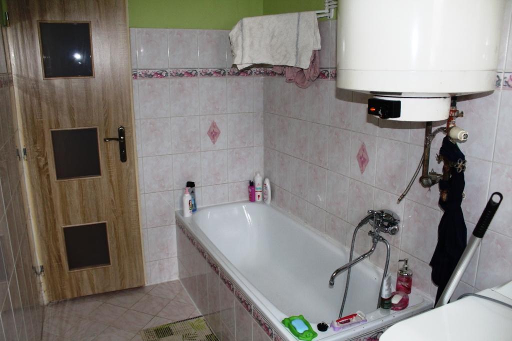 EXKLUZÍVNE 5 izbový rodinný dom po čiastočnej rekonštrukcii
