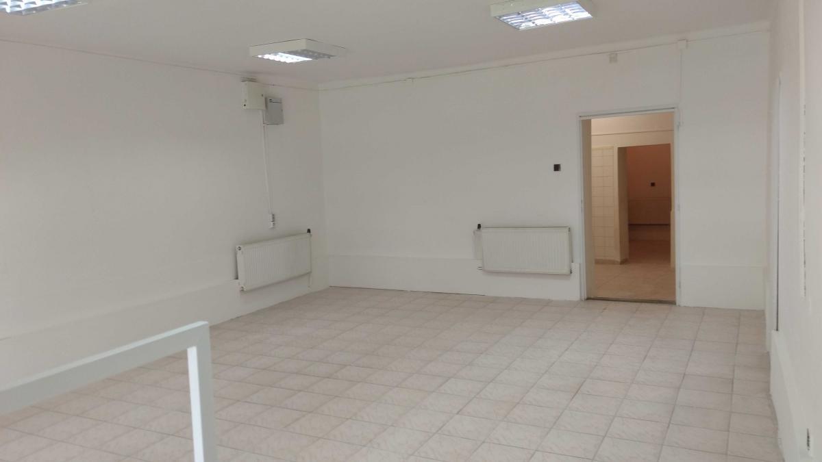 Ponúkame na prenájom obchodné,kancelárske priestory v centre Brezna