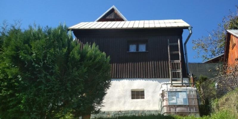 Pekná zrekonštruovaná chatka v Brezne -Čachove