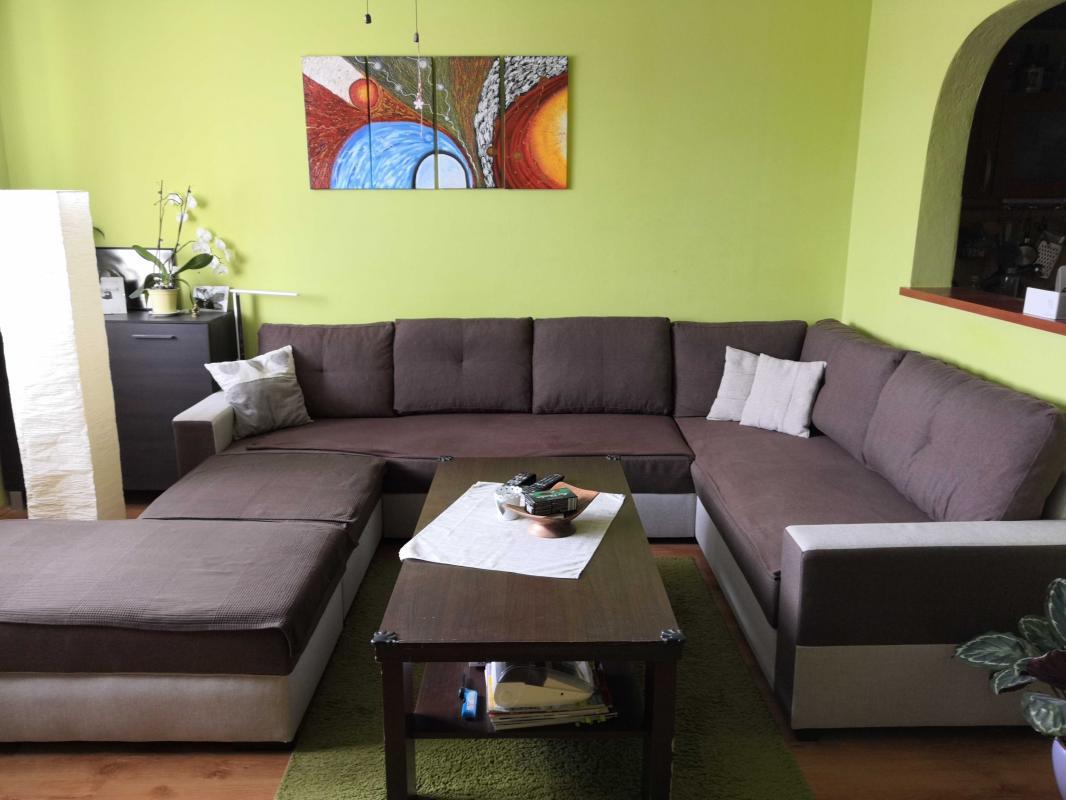 Kompletne zrekonštruovaný 4 izbový byt v Brezne s 2 loggiami na predaj