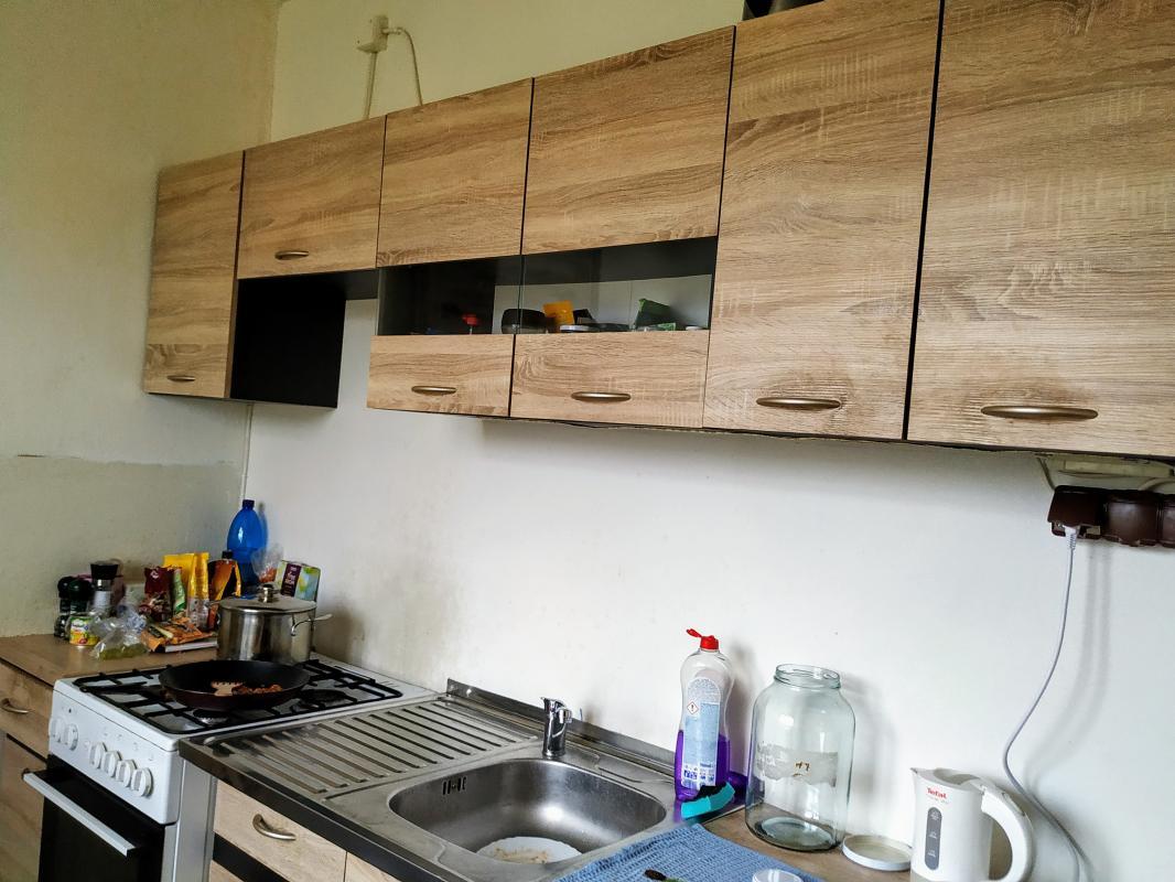 ZNIZENA CENA!!  EXKLUZÍVNE  Predaj 3izbový byt s balkónom Brezno, čiastočná rekonštrukcia