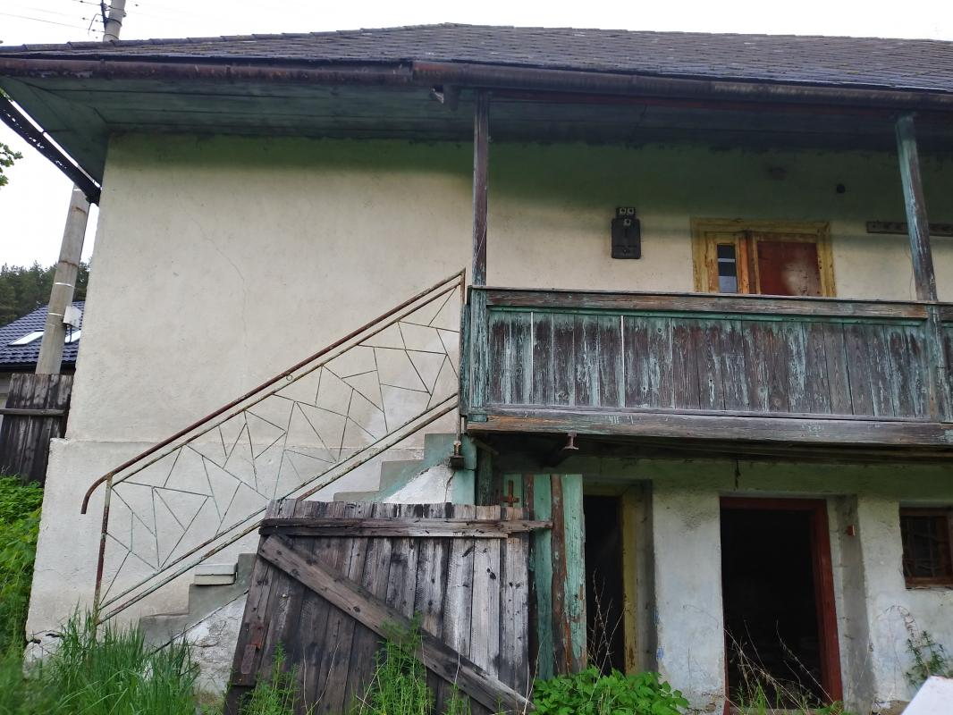 Rodinný dom, chata, chalupa pri potôčiku Horehronie Pohorelá, Polomka, Telgárt, Brezno
