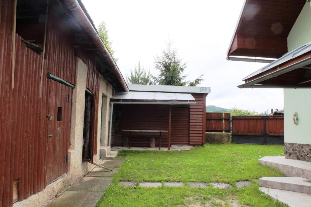 Predaj Dom, 6 izieb, Pohronská Polhora, Brezno, kompletná rek., 1580 m2 pozemku