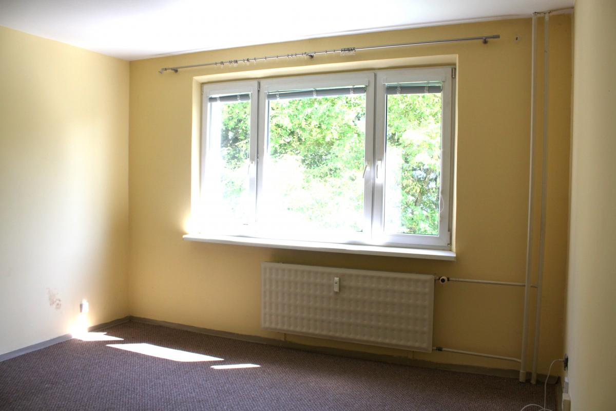 Predaj 3 izbový byt s balkónom na ulici Magurská, v Banskej Bystrici