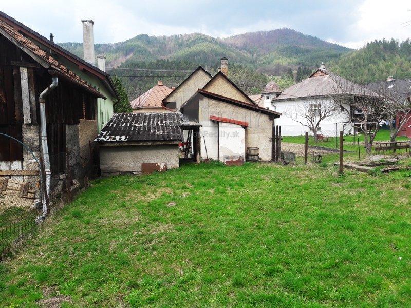 Vidiecky rodinný dom vhodný aj na celoročné bývanie ale aj ako chatu v Nemeckej