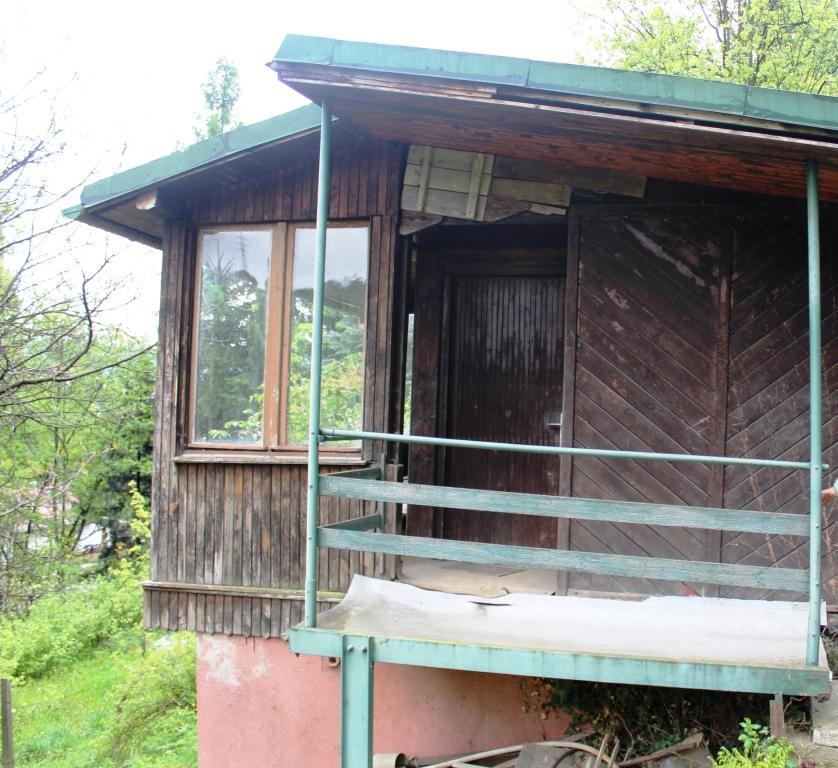 EXKLUZÍVNE chata v meste s garážou, predaj chata, potok v blízkosti, predaj garáž, Brezno, záhradná chata s garážou