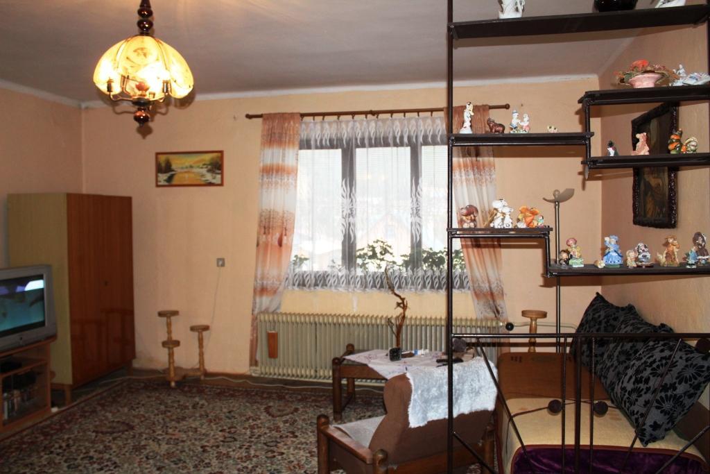 Pekné Bývanie realitná kancelária spol. s.r.o. Vám ponúka na predaj výnimočný rodinný dom v obci Michalová