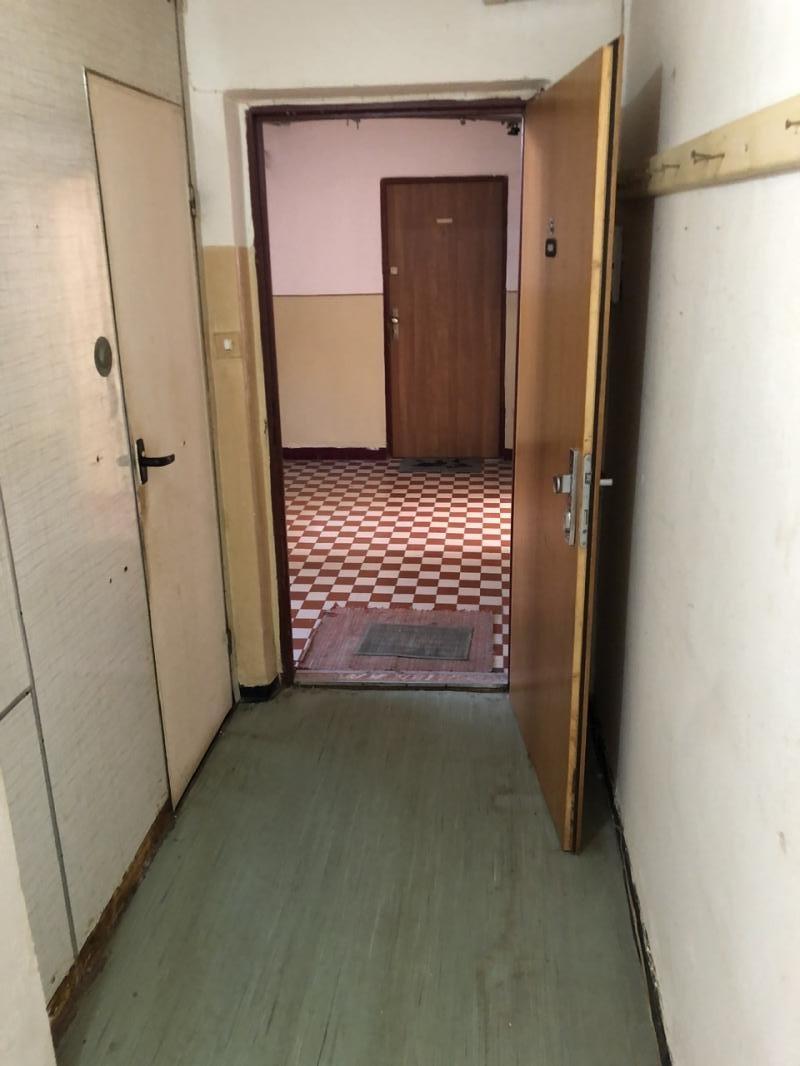 Na predaj 1 izbový veľký byt vo Veľkom Krtíši