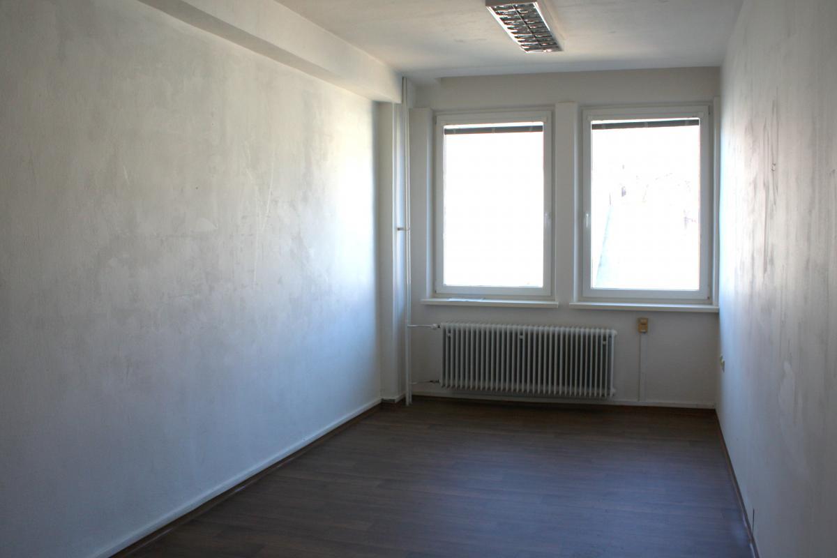 Prenájom kancelárie, 23,36 m2 m2, centrum, Banská Bystrica