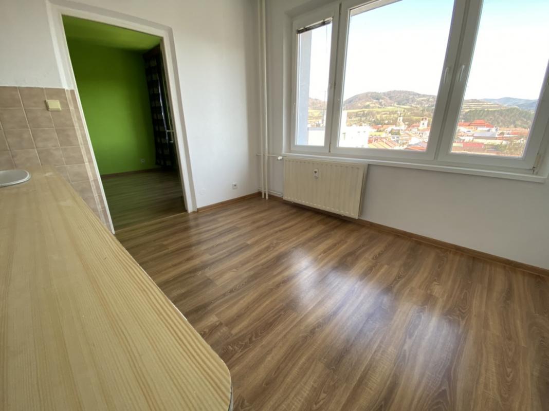 Pekné Bývanie rk ponúka na predaj 1 izbový pekný byt v centre Brezna