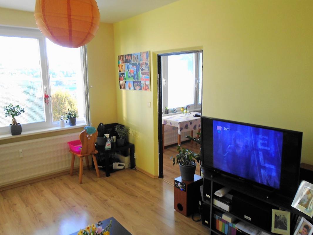 Slnečný 2 izbový byt v Brezne