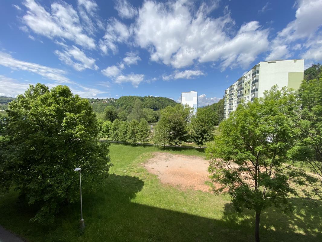 Predaj:4,5 izbový zrekonštruovaný byt v Brezne s balkonom aj loggiou